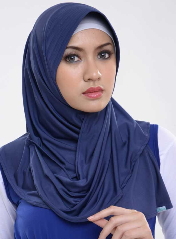 Jilbab model azni Rp 45.000,00