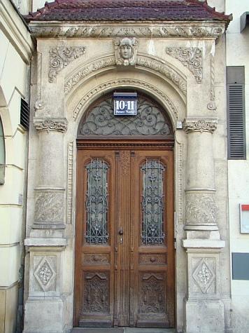 Viena puertas 11, via Flickr.