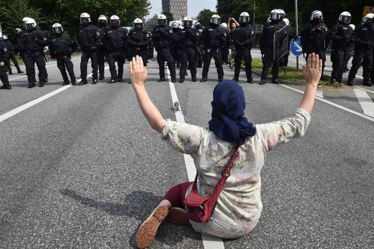G20 in Hamburg: Who are the protesters? - BBC News
