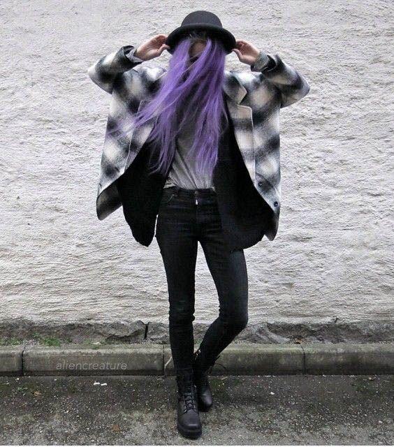 Scene Girl Fashion Tip Nº19: Skinny jeans - http://ninjacosmico.com/22-style-tips-scene-girl/