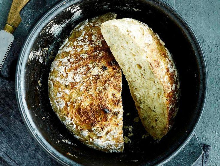 Ei enää kuivaa ja murenevaa gluteenitonta leipää! Pataleipä paistuu kannen alla meheväksi.
