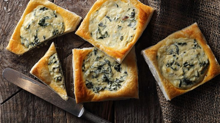 Könnyű és gyors vendégváró: Spenótos-sajtos kockák - Receptek | Ízes Élet - Gasztronómia a mindennapokra