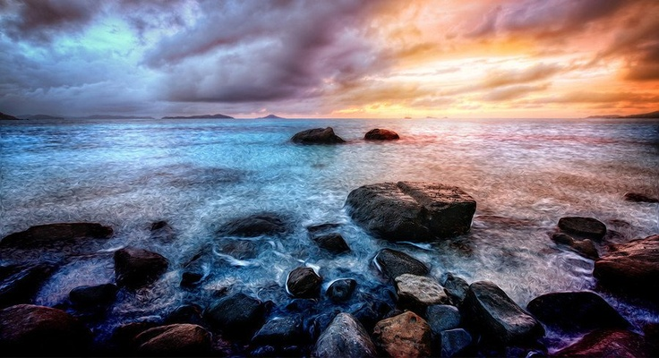 #Sunset on #VirginGorda right before the #supermoon. The light & motion of the water was so intoxicating. from #treyratcliff at www.StuckInCustom... - all images Creative Commons Noncommercial