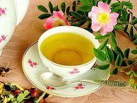 Růže léčí: růžový čaj, sirup a voda z okvětních plátků