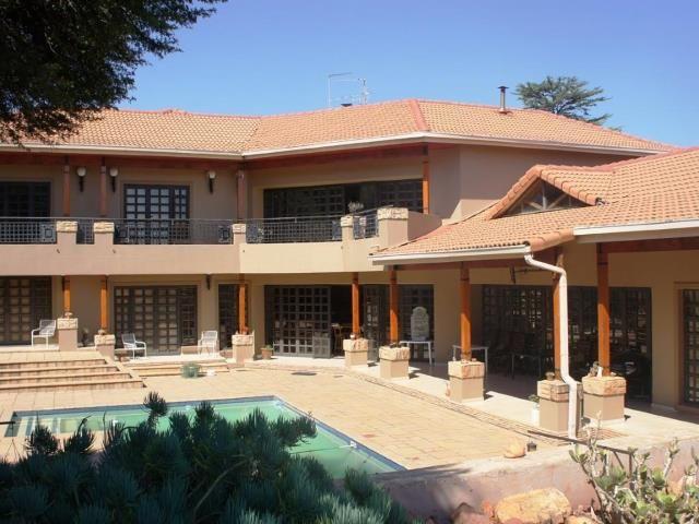 Beautiful, stunning, amazing! Range Style 3 bedroom Farm for sale in Protea Ridge