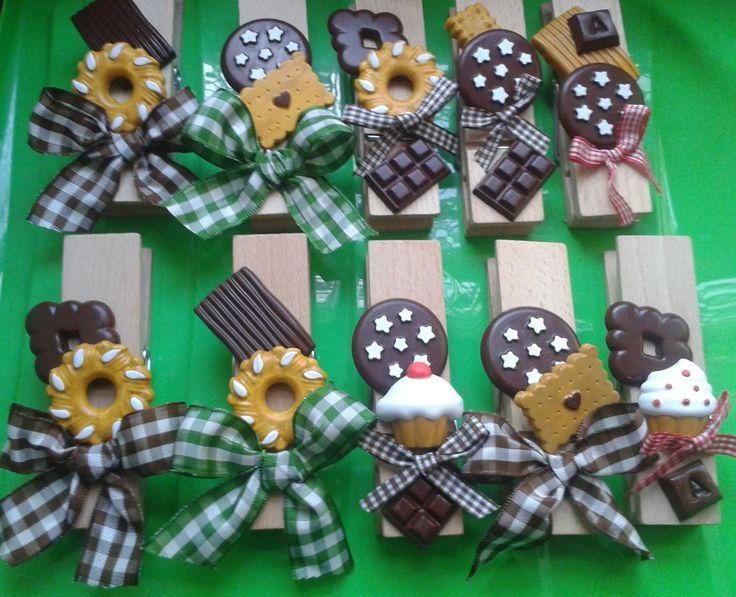 Mollette decorate con biscotti- handmade by IlCassettodeiSogni http://m.facebook.com/Il-Cassetto-dei-Sogni-1890162974542736/