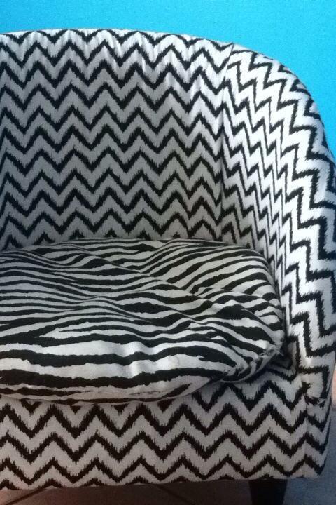les 25 meilleures id es de la cat gorie recouvrir un fauteuil sur pinterest retapisser un. Black Bedroom Furniture Sets. Home Design Ideas