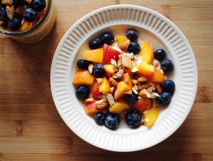 Overnight Oats with Peach and Blueberries by tastyshoestring.com