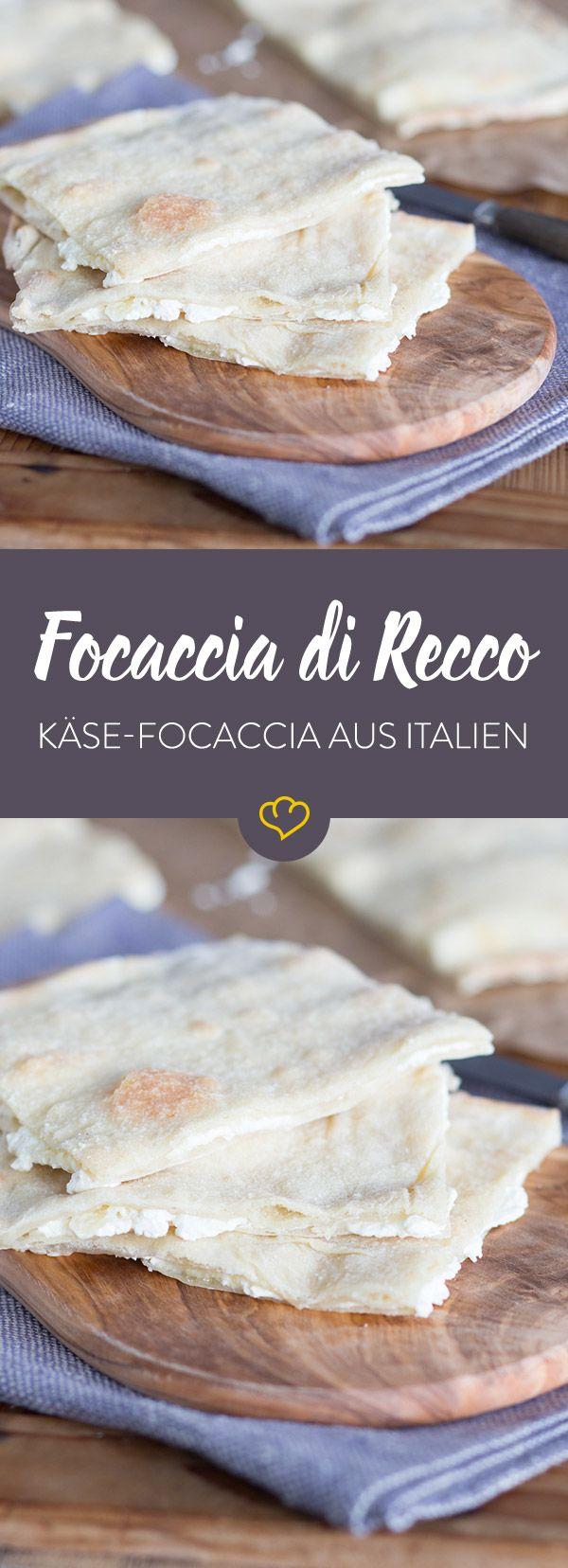 Die Focaccia mit der Käsefüllung kommt ursprünglich aus dem Ort Recco in Ligurien und ist dort eines der beliebtesten Streetfoods.