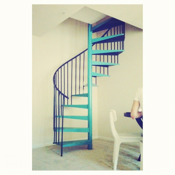 Diy painted staircase apartmentstyle home interior for 4 foot spiral staircase