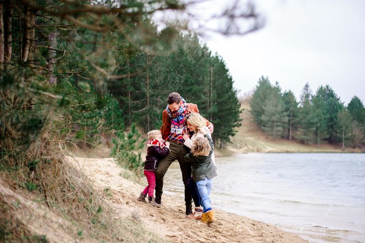 Winter familie fotoshoot. Fotografie: Happy Photographer
