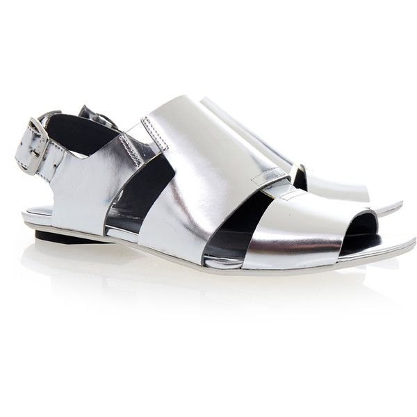 United Nude Kim Lo Silver Sandal (300 BRL) ❤ liked on Polyvore featuring shoes, sandals, silver, silver flat sandals, silver shoes, silver flat shoes, cut out flat shoes y cutout flats