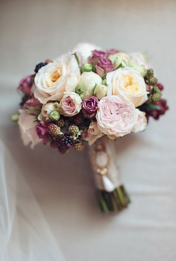Monday Morning Blooms № 6 via @weddingchicks  Gorgeous muted tones makes this lovely #bridal bouquet a classic.#flowers #weddings #bouquets