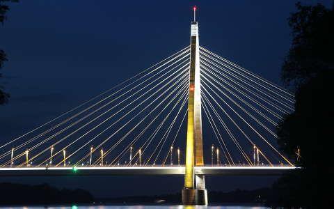 Megyeri híd este
