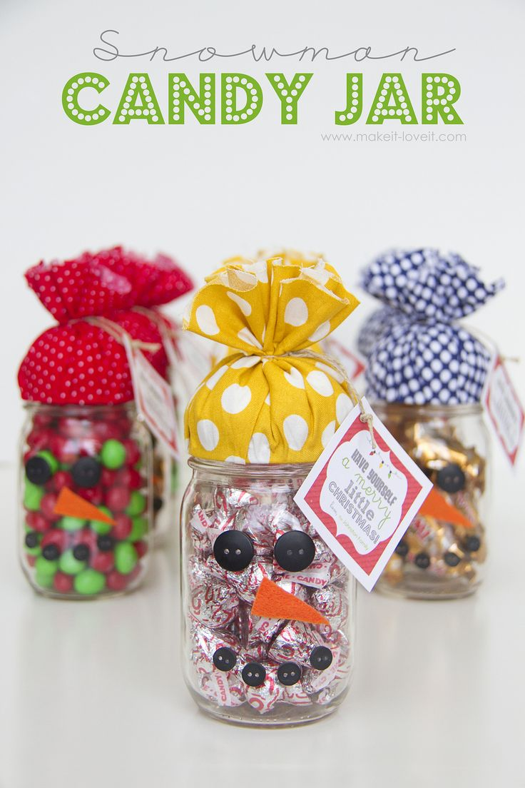 Quick Gift: SNOWMAN CANDY JAR…plus FREE printable!: for those last minute gifts.  www.makeit-loveit.com