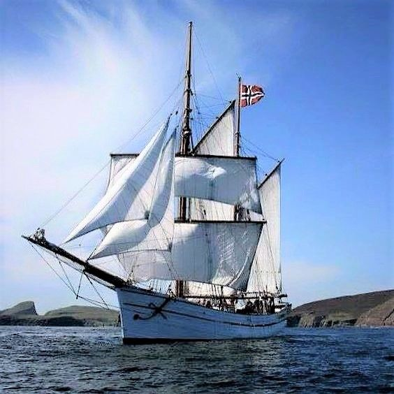 galeasen norway sailing and sailboats pinterest boating and cathedrals. Black Bedroom Furniture Sets. Home Design Ideas