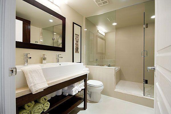 Bathroom space designed by Glen & Jamie from Peloso Alexander Interiors. #GlenandJamie #Design #bathroom