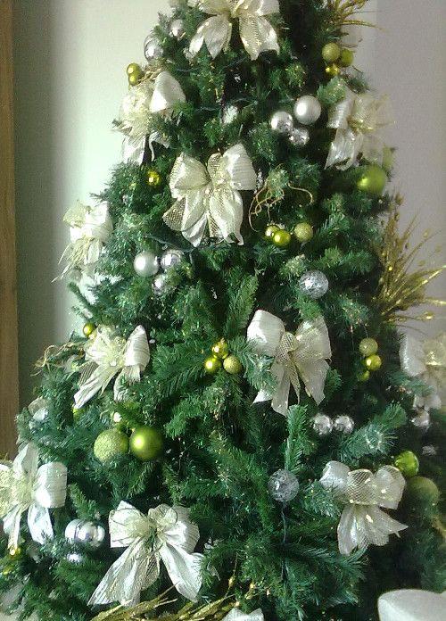 Ideias para decoração de Árvores de Natal - Árvore tons verde e branco