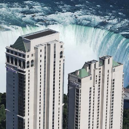 Hilton Hotel and Suites Niagara Falls / Fallsview - une idée intéressante pour nos 10 ans de mariage...