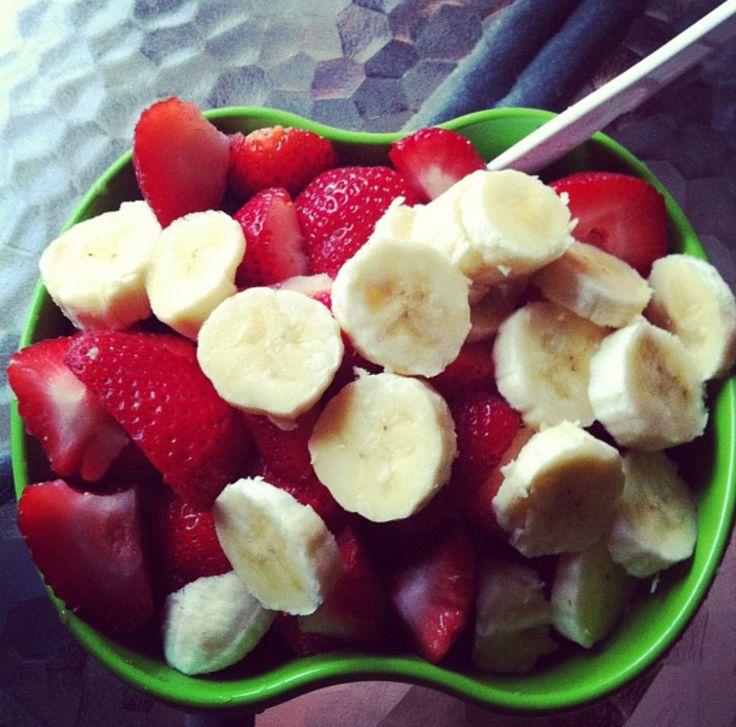 Petite salade de fruits fraîcheur #salade #fruits #fraicheur #printemps #fraise #banane