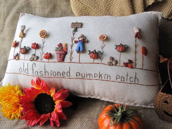 Old Fashioned Pumpkin Patch Pillow Cottage Style por PillowCottage, $27.00