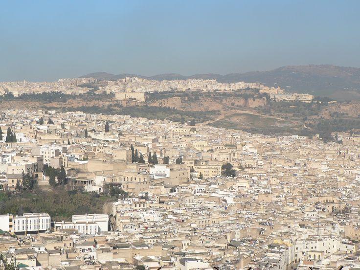 Amada Fez, ciudad llena de encanto y misterio que te envuelve hasta perder la noción del tiempo.