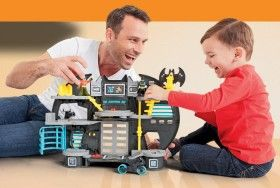NEW Fisher-Price Imaginext Batcave