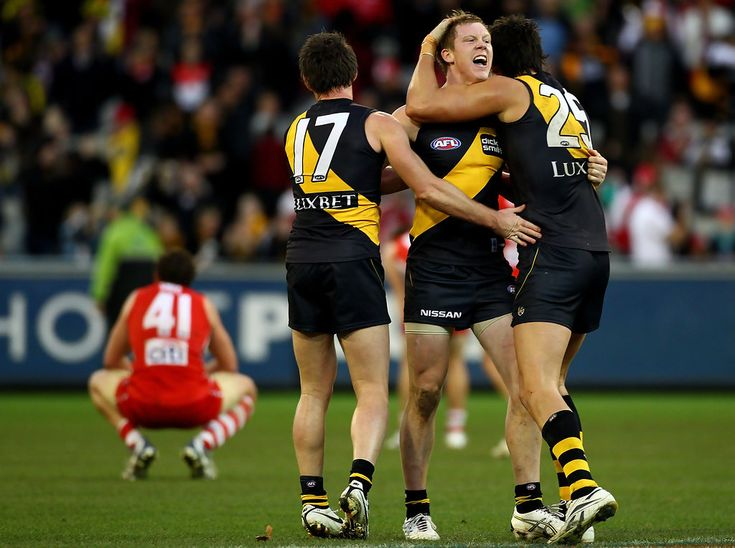 Jack Riewoldt and Chris Newman Photo - AFL