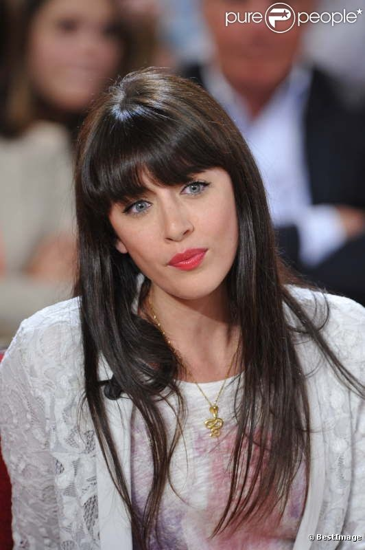 Nolwenn Leroy ... de son vrai nom Nolwenn Le Magueresse, est une chanteuse française née le 28 septembre 1982 à Saint-Renan (Finistère).