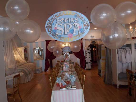 Spa-And-Tea-Time-Birthday-Party-Guest-Tables