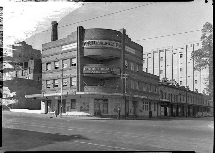 Photograph of the Australia Hotel in Broadway in Sydney. Taken in April 1940. From the Mitchell Library, State Library of New South Wales : http://www.acmssearch.sl.nsw.gov.au/search/itemDetailPaged.cgi?itemID=27324