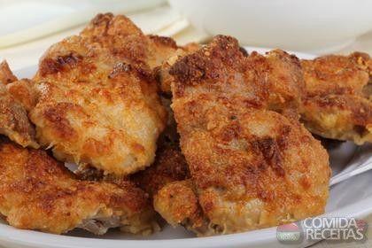 Receita de Sobrecoxa de frango crocante em receitas de aves, veja essa e outras receitas aqui!