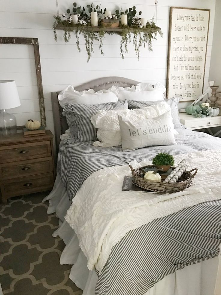 Farmhouse style bedding #farmhousestyle #bedroom