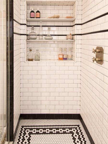 Interior de la ducha con hornacina