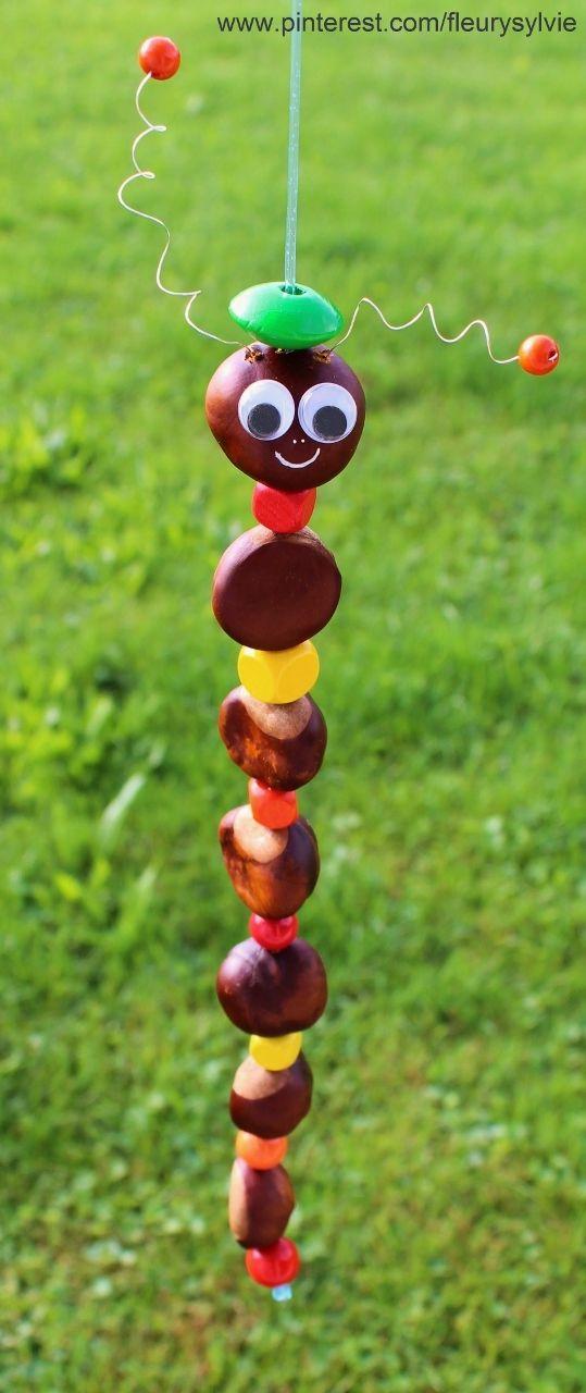 Bricolage d'automne pour les enfants :marrons percés, perles en bois et scoubidou ! http://pinterest.com/fleurysylvie/mes-creas-pour-les-kids/ et www.toutpetitrien.ch