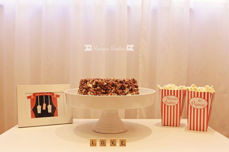 Decore as bodas de pipoca com esse material disponível para download no site www.nossasbodas.com | Receita de bolo de pipoca