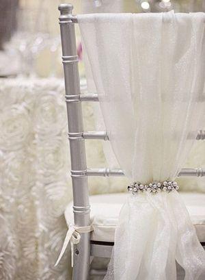 simple and elegant wedding chair decoration ideas