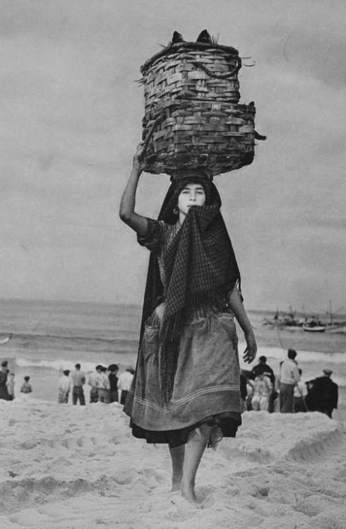 Nazaré, 1956 a 57. Fotografias realizadas para o álbum