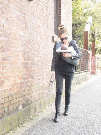 wanna be a stylish mom like her.