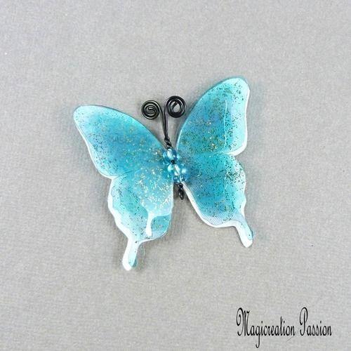 Papillon 3d soie blanche transparents bleus 5 cm
