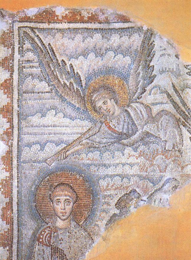 Basilica di San Demetrio, Tessalonica, Grecia. Il mosaico del V secolo. San Demetrio in abiti consolari, sulla destra un angelo che suona la tromba.