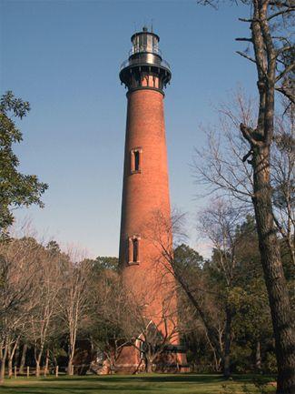 Faro de Currituck Beach, Carolina del Norte en Lighthousefriends.com