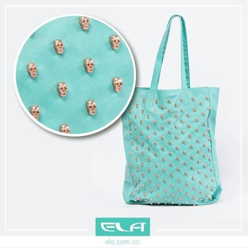 Cartera color menta, tendencia que puedes llevar en los accesorios. #trend #moda #tendencia #leather