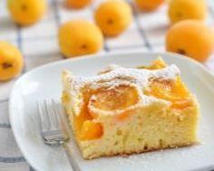 Gâteau aux abricots et aux amandes : http://www.cuisineaz.com/recettes/gateau-aux-abricots-et-aux-amandes-11008.aspx