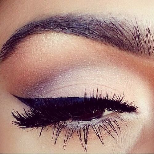 I love the blending of this look! http://thepageantplanet.com/category/hair-and-makeup/