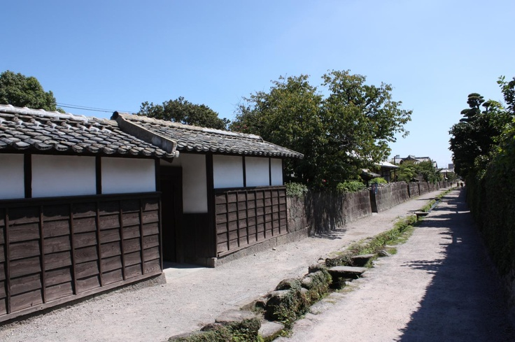 武家屋敷と水路  Samurai residences and waterways