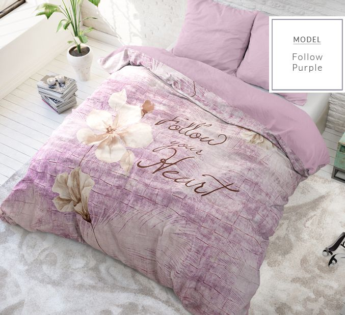 Kvalitné posteľné návliečky fialovej farby s nápisom