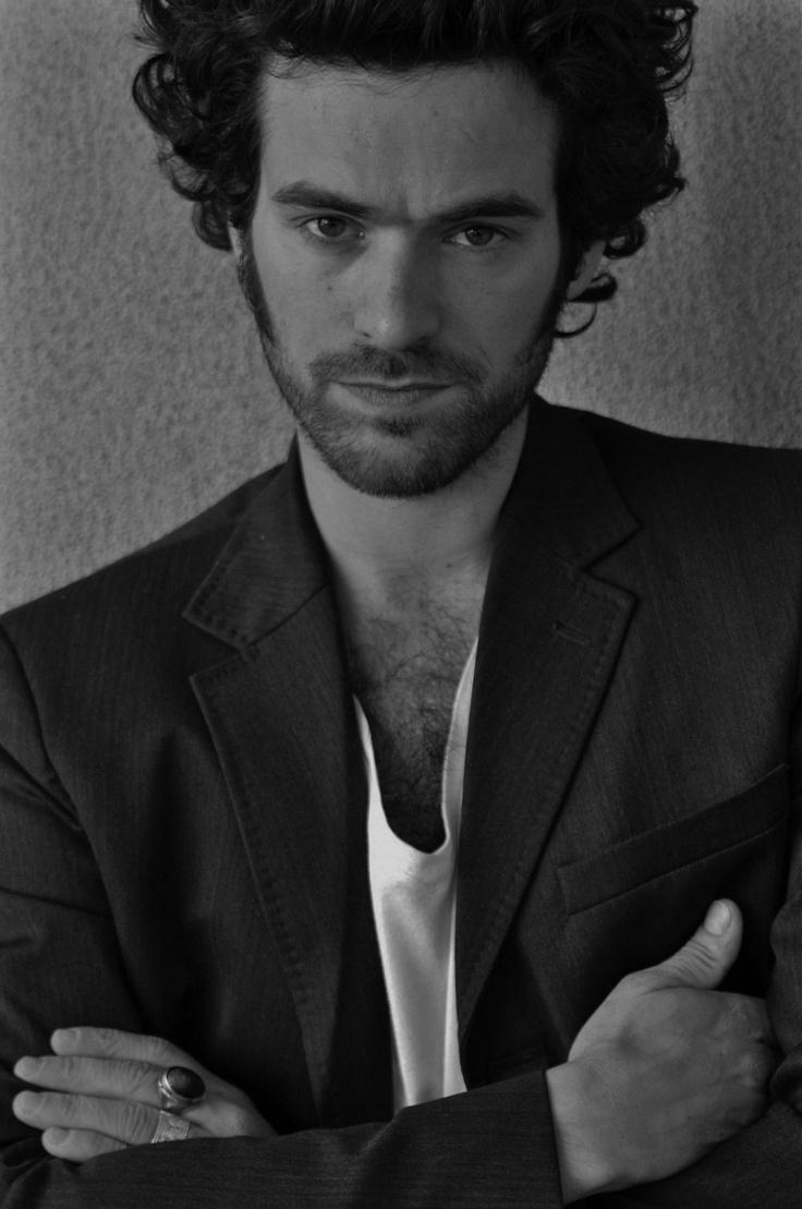 Romain Duris (a lasting impression: Le péril jeune, Gadjo dilo, Je suis né d'une cigogne, L'auberge espagnole, Shimkent hôtel, Exils, De battre mon coeur s'est arrêté, Dans Paris, Molière, Paris, L'arnacoeur...)