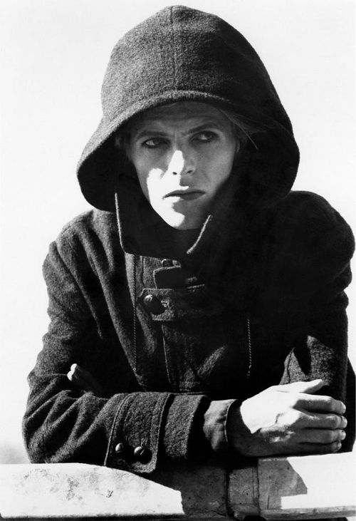 david bowie - The man who fell to earth.
