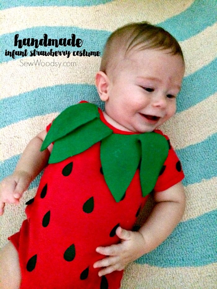 diy infant strawberry costume - easy for any new parent to make! @Cricut